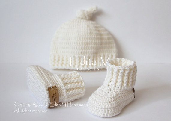 Hey, I found this really awesome Etsy listing at https://www.etsy.com/listing/464018084/crochet-merino-wool-baby-set-unisex