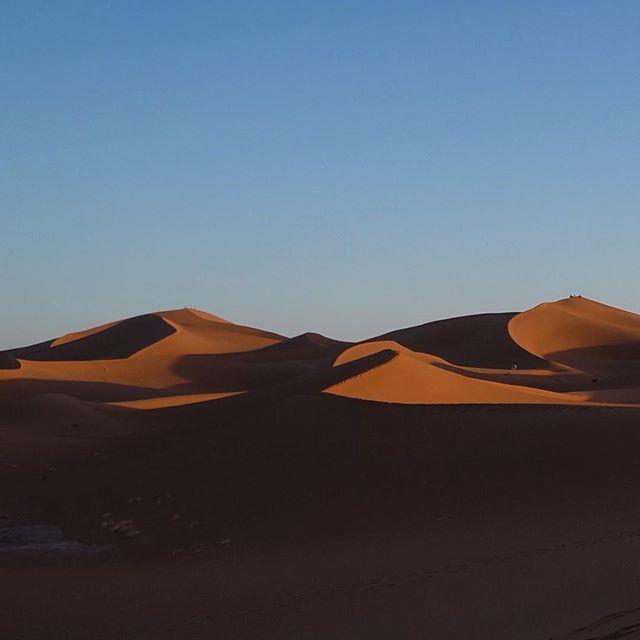The vast nothingness completes me. #Sahara #Morocco #WhenInMorocco #Travel #bucketlist #dunes #discoverMorocco #beautifuldestination #worldtravel #NatGeoTravelPic