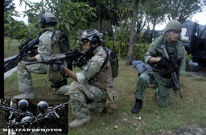Indonesian Frogmen Unit or KOPASKA in Exercise with Singapore NDU