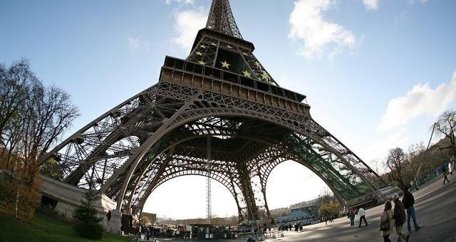 Ο πύργος του Άιφελ στο Google Street View - imonline  http://www.imonline.gr/a/o-purgos-tou-aifel-sto-google-street-view-412.html