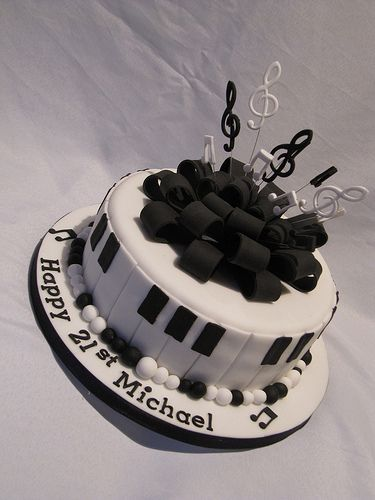 Keyboard Cake by CakeDollies, via Flickr
