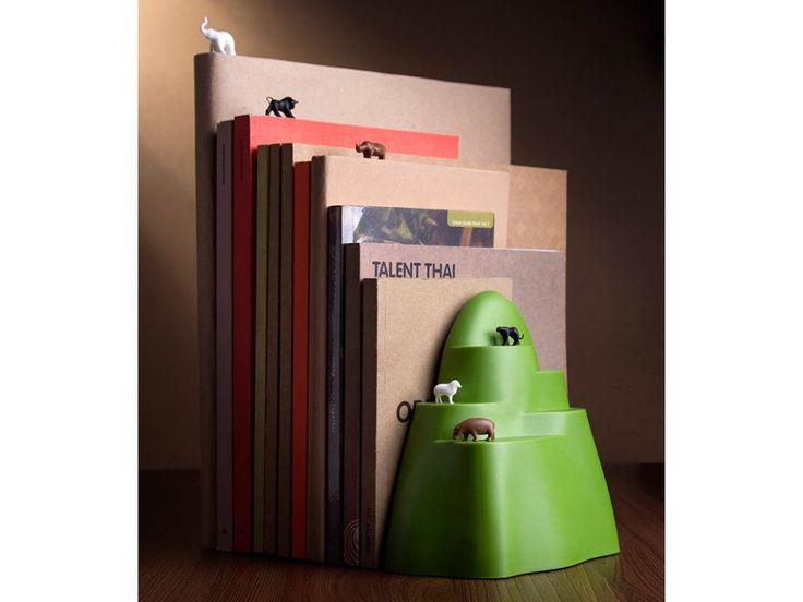 Knižní zarážka se záložkami QUALY Book Mountain. Originální plastová knižní zarážka se šesti knižními záložkami ve tvaru zvířat.