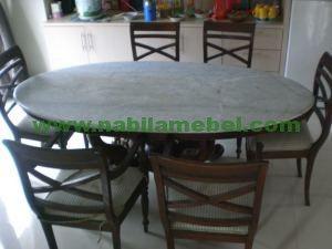 Meja Makan Marmer produk furniture jepara dengan desain minimalis yang merupakan produk mebel jepara kami tawarkan dengan harga murah.