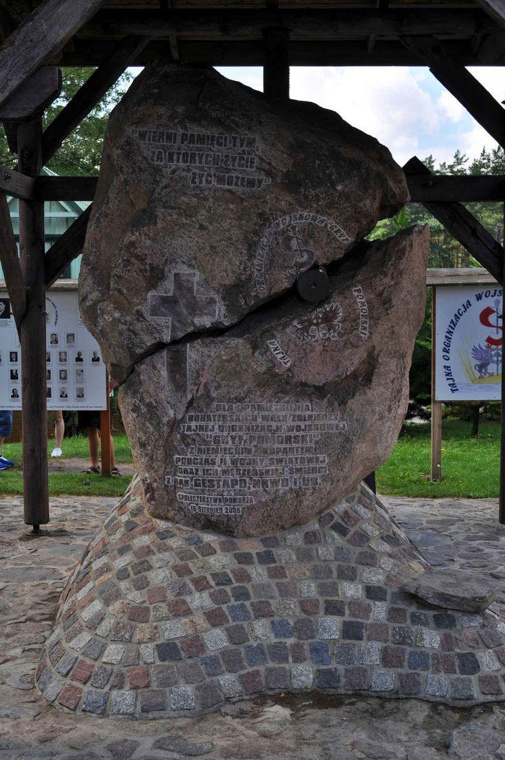 pomnik Gryfa Pomorskiego