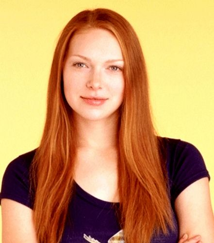 Donna Prepon Natural Hair Color
