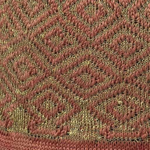 Muts, gebreid met een bol van rode zijde met ruitvormige, geometrische ornamenten van gouddraad en een omgekrulde rand van effen rode zijde, anoniem, ca. 1600 - ca. 1699 - Rijksmuseum  found on: https://www.rijksmuseum.nl/en/collection/BK-KOG-16