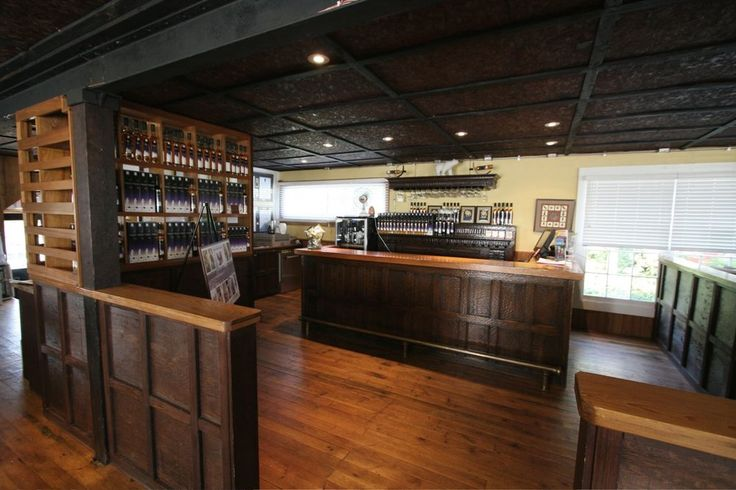 The Ice House Winery - Niagara On the Lake, ON, Canada. The main bar at The Ice House Winery