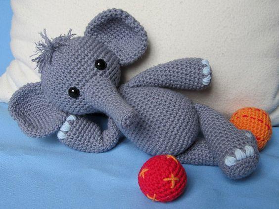 Elefante divertido Bert-Amigurumi Crochet patrón / por DioneDesign
