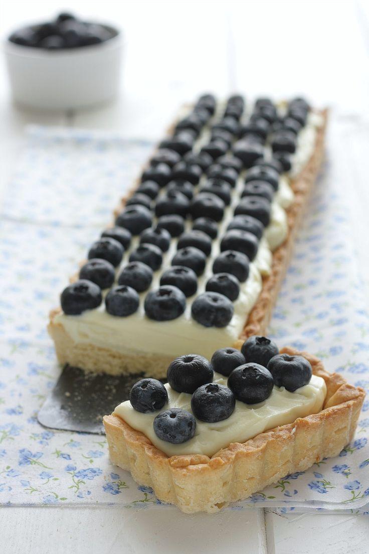 Tart con crema al cioccolato bianco e mirtilli {e con frolla alla vaniglia} | petitpatisserieblog