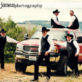 The groomsmen may wear hats ... but the truck HAS to be a Ford - :)