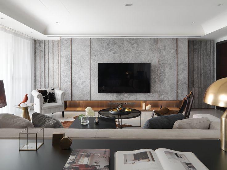 怎樣才算舒適居住空間?設計團隊將答案交還給居住者,用專業與美學規劃出契合業主的獨特住宅,在這間充滿藝術質感的新北案子中,我們看到設計師對細節一