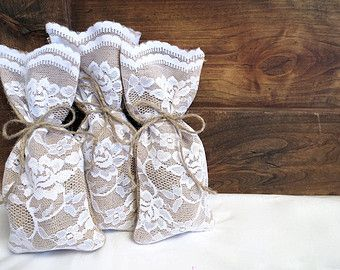 Set of 15 Large Lace Gift Bags, Burlap Gift Bags, Mini Wine Bags, White Lace and Burlap, Wedding Favor Bag, Party Favor, Bridesmaid Gift