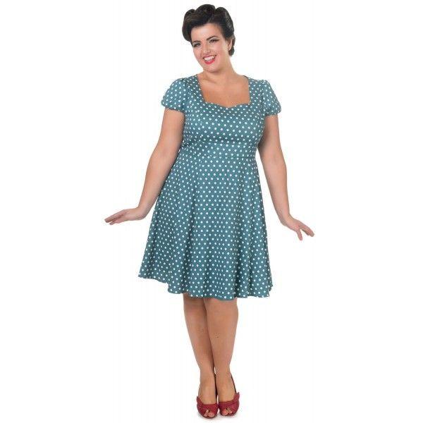 Šaty Dolly and Dotty Claudia Turquoise Puntíkaté krásky, kterým se prostě neříká ne, navíc za báječnou cenu! Skvělý model plus size vhodný na retro večírek či běžné nošení. Velmi příjemná a decentní barva v odstínu pavího peří s menším bílým puntíkem. V přední části příjemně vykrojené do srdíčkového výstřihu, krátký mírně nabraný rukáv, projmuté v pase s rozšířenou sukní, nenabírané, takže nepřidávají objem. Šaty mají podšívku, zapínání na krytý zip na zádech. Velmi příjemný materiál (95%…