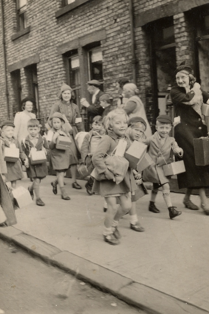 evacuation in ww2 Here are some facts about the evacuation of children and mothers from cities to the countryside which took place in britain during world war 2 the evacuation of children from cities to the countryside in order to keep them safe from air raids began in september 1939.