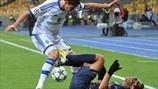 Nenê (Paris Saint-Germain FC) & Denys Garmash (FC Dynamo Kyiv)   Dynamo Zagreb 0-2 PSG. 21.11.12.