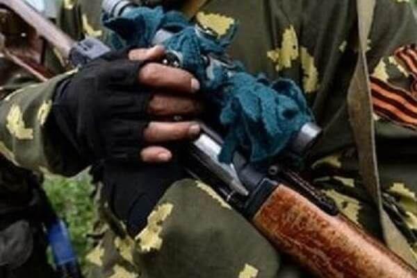 """На Донбассе схватили """"недовоина"""": служил и в """"ДНР"""", и в рядах ВСУ"""