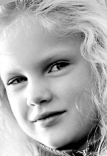 Young Taylor cute