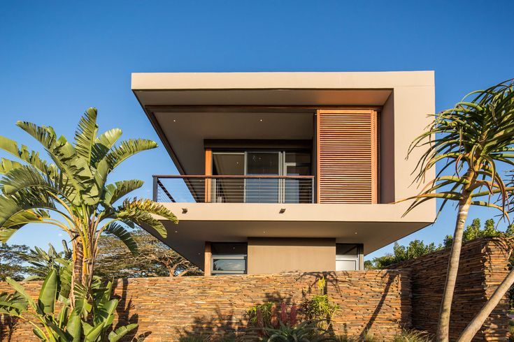 Timber Screen, South Coast KZN.  This house was featured on Top Billing for its stunning modern design. Architects: Metropole Architects , Photo by Grant Pitcher and Screens by Timbertrends.