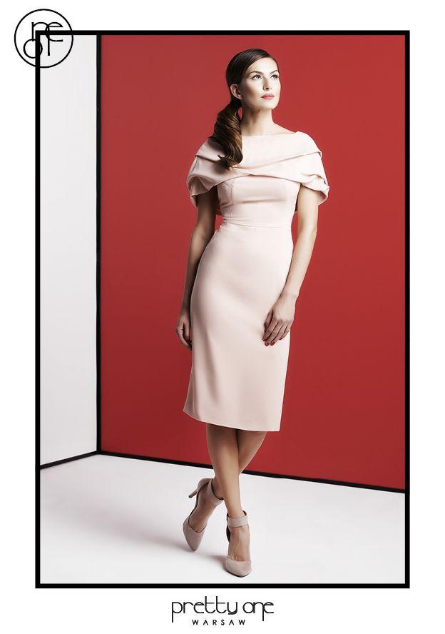 #lookbook #prettyonewarsaw Spring Summer 2015 Pudrowa sukienka odsłaniająca ramiona, z marszczonym wykończeniem.