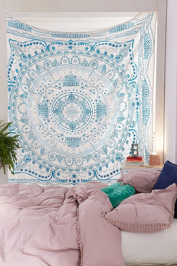 Urban Outfitters Apartment Decor Medallion Tapestry Dorm