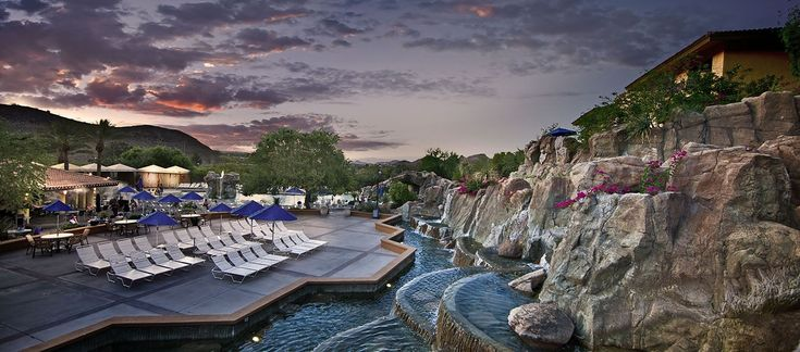 The Pointe Hilton Tapatio Cliffs Resort sits within the granite bluffs of the Phoenix Mountain Reserve.