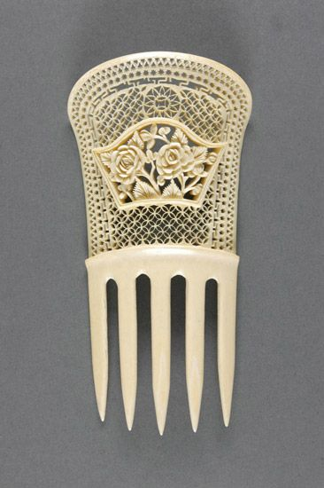 Bone hair comb. Probably made in United States, North and Central America. Early 20th century.