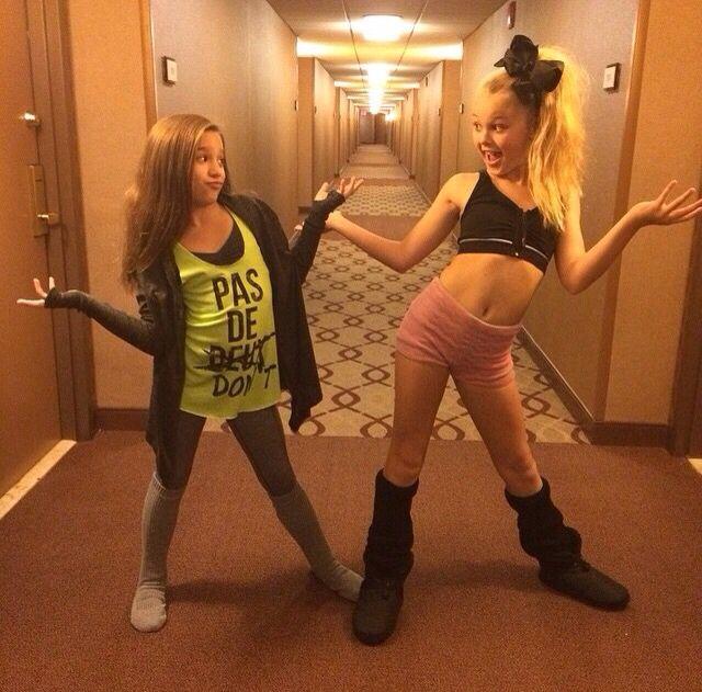 (@hahaH0ll13 Dance Moms Spam) JoJo Siwa and Mackenzie Ziegler. Love Kenzie's shirt!