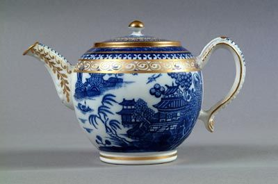 - Caughley Porcelain In the 1750s. Ambrose Gallimore, a north Staffordshire potter, leased a pottery at Caughley, south of the River Severn near the place now called Coalport. He probably produced a rather utilitarian earthenware. In 1772 Thomas Turner came from Worcester to the Caughley works, which were adapted to cater for his knowledge of 'soft-paste' porcelain. This required the shipment of soapstone and china clays from Devon and Cornwall. The Caughley works benefited from a ready…