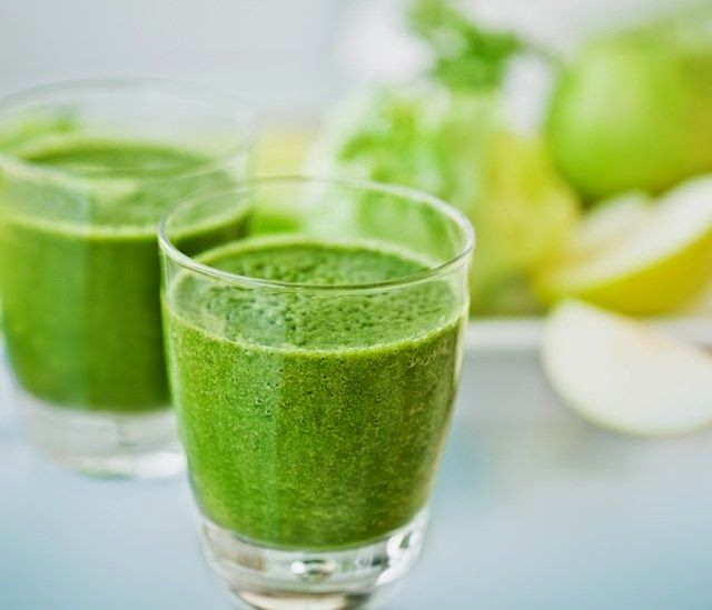Tavaszi energia smoothie zöld levelesekből http://soulonefonix-termeszetesegeszseg.blogspot.com/2015/03/tavaszi-energia-smoothie-zold.html