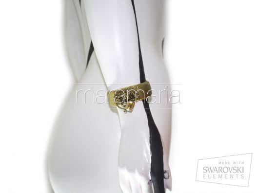 1088 Golden Shadow | Mara Maria Design | Desejadas pelos profissionais de moda, seja nas passarelas ou nas revistas especializadas, as peças que conquistaram, não só aqueles que trabalham no segmento, mas, principalmente, o cotidiano das mulheres que não abrem mão de classe e elegância.