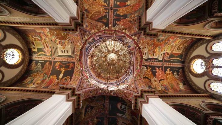 Ο μίτος της Αριάδνης ξετυλίγει τις ομορφιές του Ηρακλείου. Μία καταπληκτική δουλεία του Δήμου Ηρακλείου και του σκηνοθέτη Θοδωρή Παπαδουλάκη που αξίζει να δείτε! http://vimeo.com/104848218