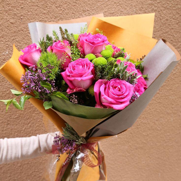 """Eğitimin ilk gününden: """"Buket Dizim Teknikleri ve Ambalajlama"""" Çiçekçilik Eğitimleri yeni dönemi 8 Nisan'da başlıyor! Bilgi için: 0216 445 46 52 ya da info@cicekakademi.com #çiçek #çiçektasarımı #flowerschool #cicekcilikegitimi #gelinbuketi #wedding #bride #gelin #instawedding #love #terrarium #çiçek #çiçektasarımı #flowerschool #cicekcilikegitimi #gelinbuketi #wedding #bride #gelin #instawedding #gelinbuketi #gelinakademi #bridal #gelincicegi #enmutlugun #gelincicegi #gelin #perfect…"""