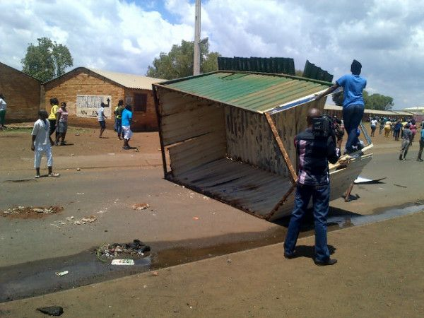 #Bekkersdal protests | A shack was destroyed and placed in the middle of the street #sabcnews Photo: Chriselda Lewis @Chriseldalewis