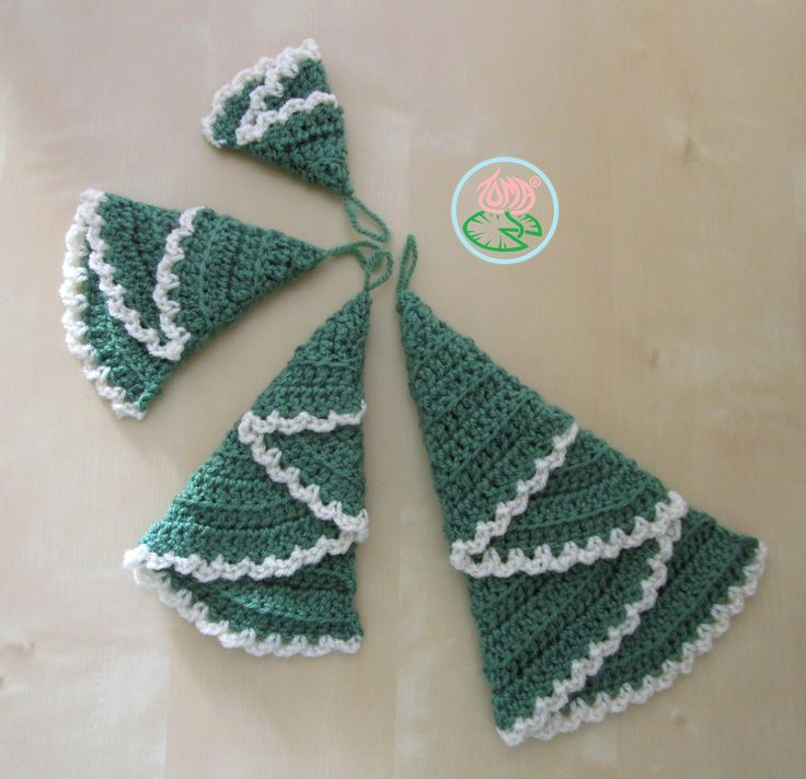 A new pattern on how to make Crochet Christmas trees Ornaments. This pattern contains instructions for 4 sizes, suggestions on how to decorate the trees and tips for making your own desirable size....