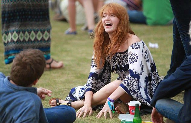 Chatter Busy: Florence Welch Dressed In Hippie Style At British Summer Time Festival