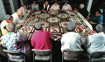history of the amish culture in the united states The history of quilts in america has evolved from basic bedcovers to become an important part of america's cultural well as the history of the united states.