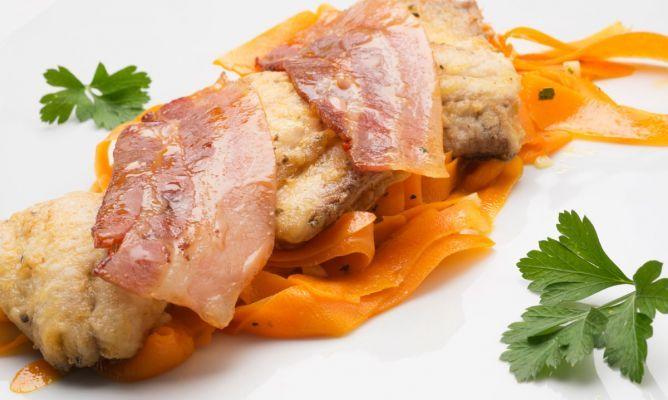 Receta de Chicharro con zanahorias salteadas