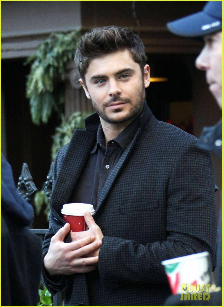Zac Efron Imogen Poots: Kiss Kiss on 'Dating' Set!