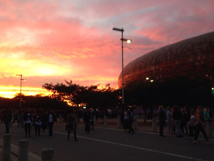 The sun sets just before One Direction   Taken at the FNB Stadium   #PERFORMERSTHEYARE  Potentially the greatest concert this year