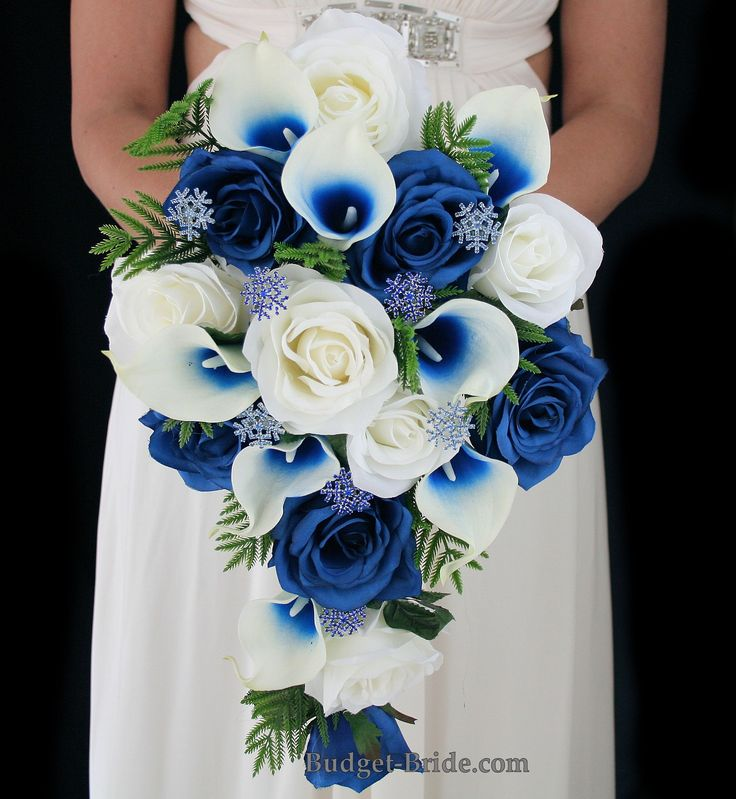 Winter theme wedding flowers