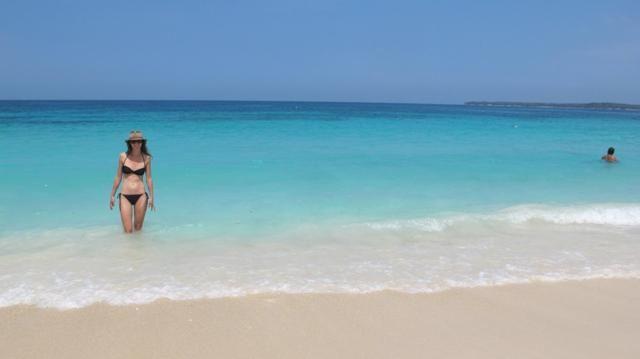 コロンビア・カルタヘナ近郊のバル島にあるプラヤ・ブランカ(白いビーチ)