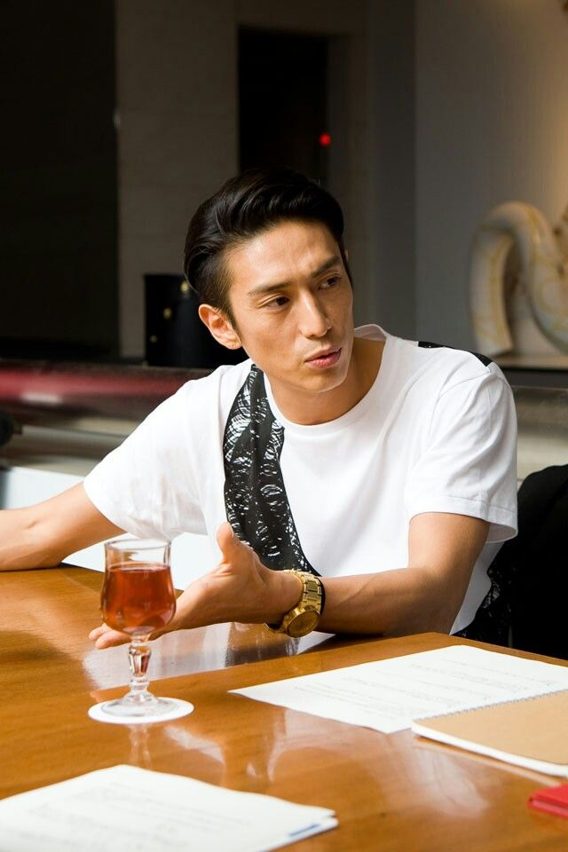 What the, why so handsome Iseya-san?!