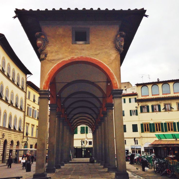 Piazza dei ciompi loggia del pesce florence italy for Piazza dei ciompi