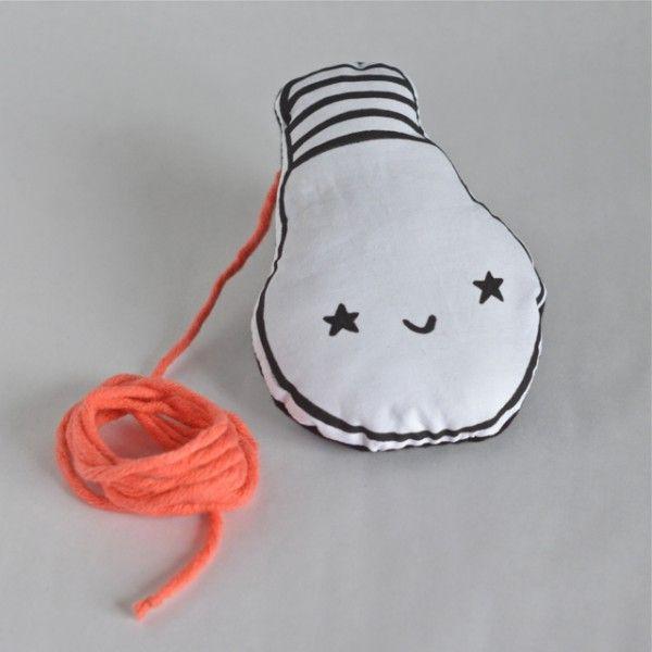 D coration en tissu en forme d 39 ampoule ou fausse lampe for Lampe en forme d ampoule
