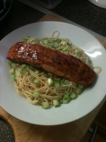 Vicki-Kitchen: Soy glazed salmon (slimming world friendly) Syn free!