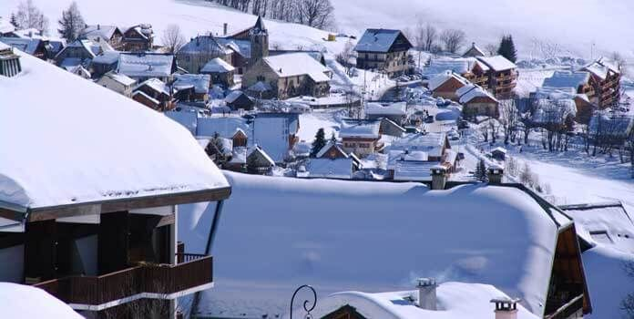 skigebied Saint Sorlin d'Arves: skidorp voor sportieve skiërs en grote chalets