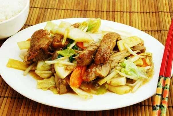 Comida típica china, exquisito y fácil Chop suey de carne verduras y arroz http://www.e-recetas.com/recetario/tradicionales/cocina-china/comida-tipica-china-exquisito-y-facil-chop-suey-de-carne-verduras-y-arroz.htm