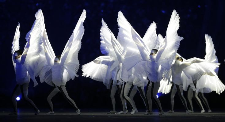 Yahoo Sports coverage of the Closing Ceremony is presented by United Airlines