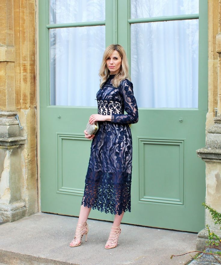 5 tips for choosing the perfect romantic dress - for Valentine's Day or just because! #fashion #ladylikefashion #romanticdress #30plusfashion #30plusstyle