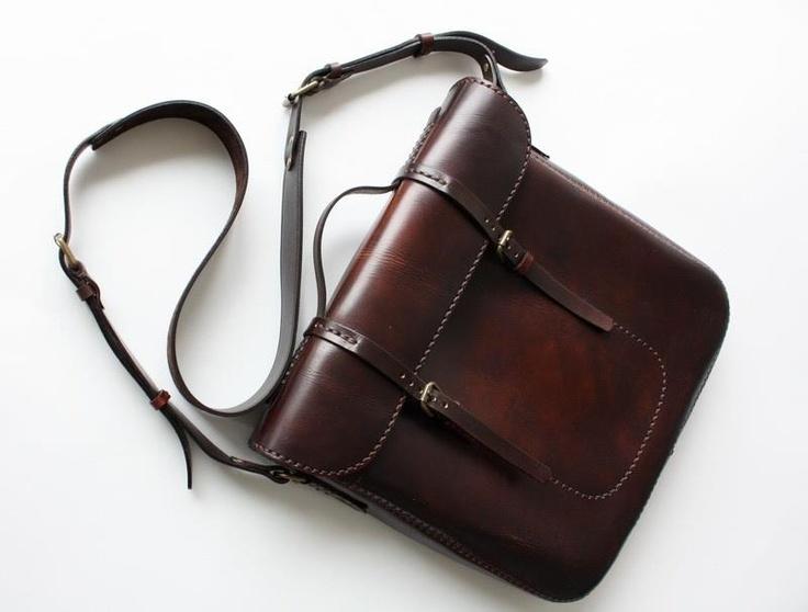 644500_381870701912174_1193361468_n.jpg 800×607 pixels...Hemingway MXS bag